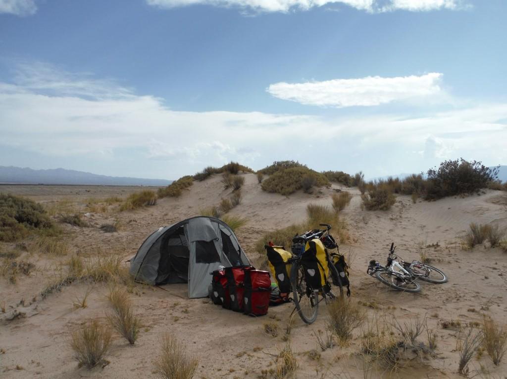 campement dans le desert